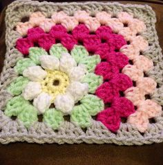 Ravelry: Mitered Summer Daisy Baby Afghan by the Jewell's Handmades