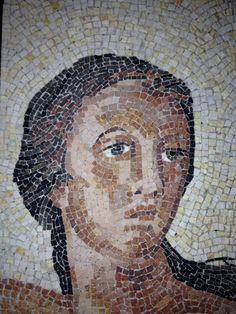 Riproduzione di un dipinto della sala dei misteri a Pompei................il mio primo volto :)