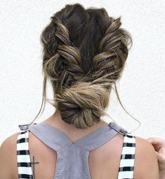 Top 60 All the Rage Looks with Long Box Braids - Hairstyles Trends French Braid Ponytail, Messy Updo, Short Hair Updo, Braided Hairstyles Updo, Haircuts For Long Hair, Braided Updo, Curly Hair Styles, Natural Hair Styles, Bun Updo