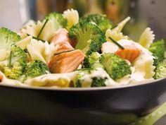 poivre, farfalle, ciboulette, citron, brocoli, margarine, saumon, crème liquide, sel, bouillon