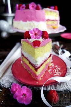 Raspberry cream cheese cake with crispy base - tongue circus-Himbeer-Frischkäsetorte mit Knusperboden – Zungenzirkus Cake with raspberries and cream - Cheese Pies, Cake With Cream Cheese, Cream Cake, Cream Cream, Cream Pies, Wedding Cakes With Cupcakes, Unique Wedding Cakes, Elegant Wedding, Rustic Wedding