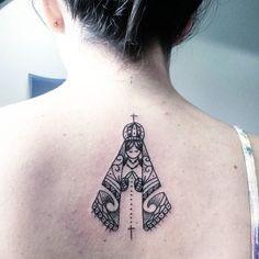 Trabalho! Nossa Senhora Aparecida em maori. Desenho  criado  por mim!#tattoocaldara #tattoo #inspirationtattoo ...