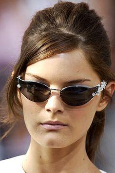 Louis Vuitton Spring 2003 RTW Runway Ltd Ed Cat Eye Strass Fleur Sunglasses
