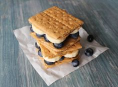 These bite size blueberry s'mores are...bananas ;)