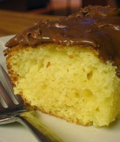 Sour Cream Yellow Cake | I love this recipe!  Went great with my homemade fluffy chocolate frosting!