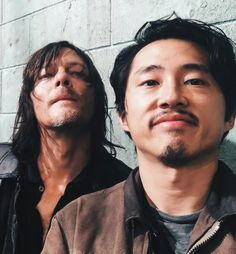 Steven Yeun and Norman Reedus behind the scenes of The Walking Dead Season 6 Episode 14 | Twice As Far