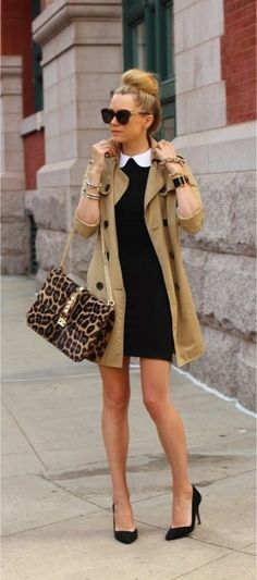 Get inspiration from the following images of beautiful classic trench coat outfits for fall and plan your own wardrobe.
