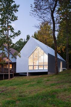 A Virginia Cabin Is Proof You Can Do Modern Design on a Tiny Budget | Hunker