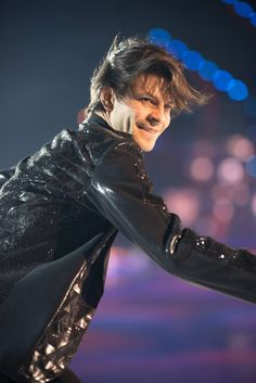 Stéphane Lambiel : Art on Ice 2017 Qi Gong, Ice Skating, Figure Skating, Trick Daddy, Stephane Lambiel, Male Figure Skaters, Johnny Weir, Yoga, More Photos