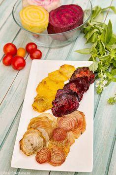 CHIPSURI DIN SFECLA | Diva in bucatarie Yams, Recipies, Healthy Recipes, Chicken, Food, Salads, Recipes, Essen, Healthy Eating Recipes