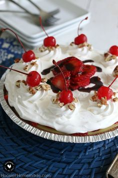 Banana Split Pie - L
