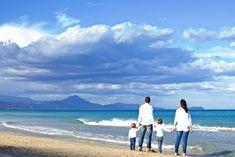 Seve y Sonia | Fotografía de boda en Alicante | Orlando Pedrós Alicante, Beach, Water, Outdoor, Family Photography, Learn Photography, Pictures, Gripe Water, Outdoors
