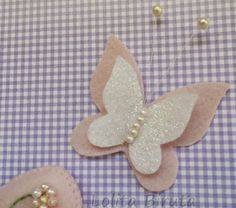 This Pin was discovered by Guz Felt Crafts, Diy And Crafts, Arts And Crafts, Paper Crafts, Butterfly Nursery, Butterfly Crafts, Picnic Quilt, Butterfly Template, Felt Patterns