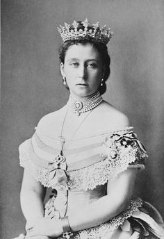 Alice of Great-Britain, the third child and second daughter of Queen Victoria--grand-duchess of Hesse, wearing the tiara
