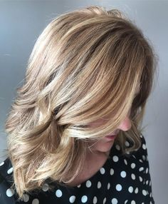 Have you ever wanted to try a new hair color? Ever want to try something that would give you a new sense of confidence and brighten up your life? A gr. Long Blonde Curls, Soft Blonde Hair, Pastel Blonde, Dark Hair, Hair Color Pink, Color Your Hair, Blonde Color, Strawberry Blonde Highlights, Dark Highlights