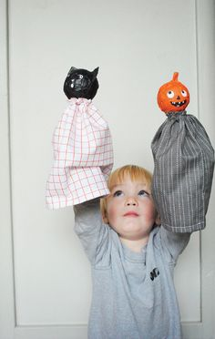 20 Amazing DIY Halloween Costumes & Crafts (cute paper maiche puppets - make it with the kids)