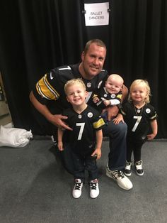 ben roethlisberger wife and kids Pitsburgh Steelers, Here We Go Steelers, Pittsburgh Steelers Football, Pittsburgh Sports, Best Football Team, Football Memes, Steelers Stuff, Football Cards, Ben Roethlisberger