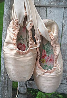 Altered ballet toe/pointe shoes, roses wallpaper inside, decor item, Jeanne d'Arc living style decor