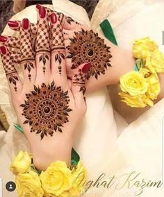 A to Z Alphabet Letter My life Line Dp pic for Fb n WhatsApp - Wallpaper DP Round Mehndi Design, Best Mehndi Designs, Arabic Mehndi Designs, Simple Mehndi Designs, Henna Tattoo Designs, Mehndi Designs For Hands, Bridal Mehndi Designs, Mehandi Designs, Tattoo Ideas