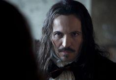 Versailles, la série, saison 1 : le chef de la sécurité de Louis XIV