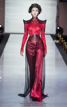 "Dress by Alice Maximova, Corset by Andrew Kanounov ""Porcelain Life at the Court of the Crimson Queen"" Estet Fashion Week 2014 Look Fashion, Fashion Clothes, Trendy Fashion, High Fashion, Fashion Show, Fashion Dresses, Fashion Design, Haute Couture Style, Couture Mode"