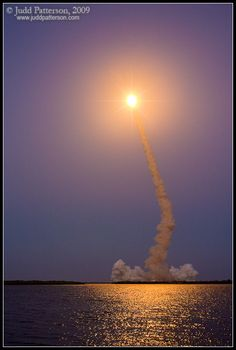 Space Shuttle Discovery rockets into orbit at dusk over Merritt Island National Wildlife Refuge. What an incredible sight to see! Earth And Space, Space Shuttle, Nasa Space Program, Merritt Island, Kennedy Space Center, Space And Astronomy, Our Solar System, To Infinity And Beyond, Out Of This World