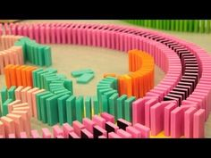 This Chain Reaction Of Dominoes Falling In REVERSE Is Pure Genius - Video dominoes falling reverse simply mesmerizing