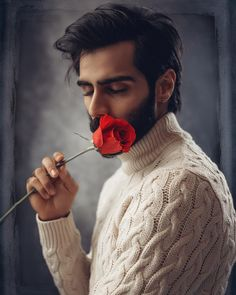 No pearl is the same as the other. No pearl is ever perfectly symmetrical. Only faults ensure beauty, only imperfection aspires to eternity. Boy Images, Cute Boys Images, Wife Affair, Best Male Models, Romantic Men, Romantic Roses, Sexy Asian Men, Top Clothing Brands, Men Photoshoot