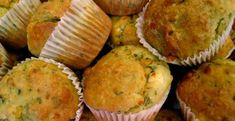 Tutti pazzi per i muffins: come preparare quelli al pesto Queso Cheddar, Plum Cake, Food Art For Kids, Pizza Muffins, No Salt Recipes, Cupcakes, Antipasto, Finger Foods, Pesto