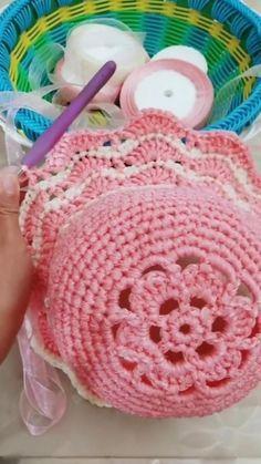 Crochet Bedspread Pattern, Crochet Motif, Crochet Flowers, Crochet Patterns, Crochet Crafts, Easy Crochet, Crochet Projects, Baby Girl Crochet Blanket, Crochet Baby Clothes