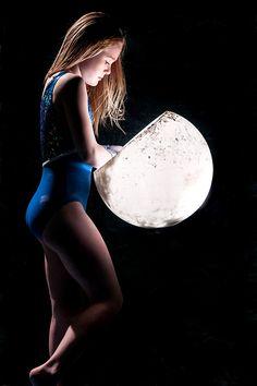 Senior Portrait / Photo / Picture Idea - Girls - Gymnastics / Gymnast - Ryana O. Gymnastics Senior Pictures, Gymnastics Chalk, Gymnastics Floor Music, Sport Gymnastics, Gymnastics Stuff, Gymnastics Photography, Sport Photography, Photography Poses, Sports Images