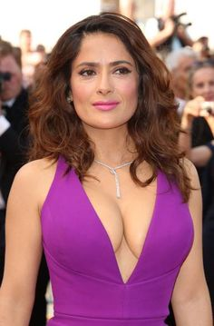 Cannes Film Festival: best jewellery on the red carpet Salma Hayek Hair, Salma Hayek Style, Salma Hayek Body, Beautiful Celebrities, Beautiful Actresses, Gorgeous Women, Natalie Portman, Salma Hayek Measurements, Salma Hayek Pictures
