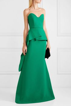 Jade wool-crepe Zip fastening along back wool Dry clean Made in the UK Vestido Strapless, Strapless Dress Formal, Formal Dresses, Formal Wear, Party Dresses, Green Fashion, Fashion Looks, Early Stages Of Pregnancy, Peplum Gown