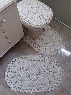 Aprenda como fazer modelos de tapetes de barbante passo a passo, veja os gráficos e moldes para fazer o tapete de barbante redondo e quadrado!