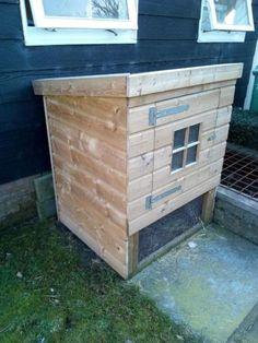 Kippenhokken te koop. Zoals op foto of met een buitenren. Met dakpanplaat. Geïmpregneerd hout. Rvs bevestigingsmateriaal. Prijs: €249 prijs met (2panelen) buitenren: €349 prijs met (3