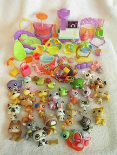 Littlest Pet Shop Lot 30 Pets Accessories Dishes Toys Bone Swing More LPS