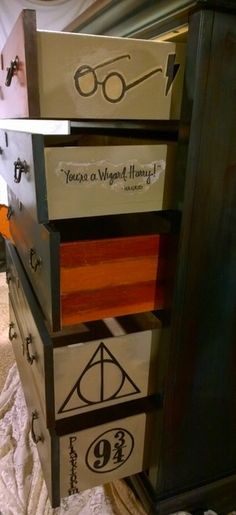 Harry Potter. Dresser. Custom made. Milk paint. Chalk paint.