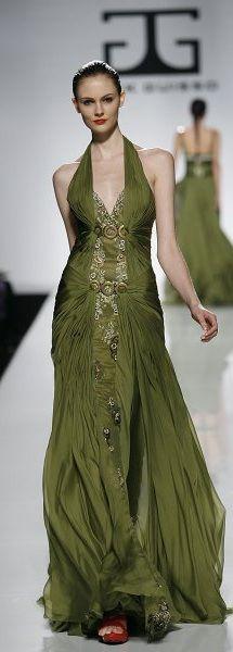 Jack Guisso ~via~Ana Paula Medeiros Elegant Dresses, Pretty Dresses, Formal Dresses, High Fashion Dresses, Green Gown, Estilo Fashion, Green Fashion, Models, Mannequins