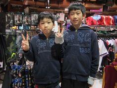【大阪店】2015.02.24 ブルズのキーホルダーをお買い上げ下さいました!!ペアルックのご兄弟!カワイイです(♥ᴗ♥)スナップ協力ありがとうございます!!また遊びに来て下さいね!