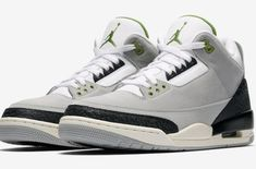 Nike Air Jordan 3 Retro Grey Size 11 US Mens Athletic Shoes Sneakers Basketball Air Jordan 3, Jordan Iii, Nike Air Huarache, Retro Basketball Shoes, Latest Sneakers, Classic Sneakers, Retro Men, Trainers, Athletic Shoes