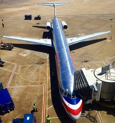 Awesome shot of the shiny #silver #retro American Airlines MD-80, docked at Dallas Fort Worth :) pic by @boston_photog #dallas #DFW #fortworth #texas #mcdonnelldouglas #MD80 #AmericanAirlines #AA #usa #aviapics4u #travel #airport #plane #airplane #flight #aviation #avgeek #aircraft #instagramaviation #instaplane #planeporn #megaplane #instaaviation #planespotting #airline #aviationlovers #spotting #aviationphotography @americanair