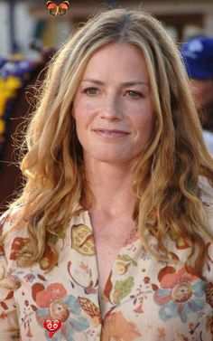 Actress Elisabeth Shue to Join 'CSI' [PHOTOS] Actress Elisabeth Shue to Join 'CSI' [PHOTOS]<br> Actress Elisabeth Shue is joining the cast of the hit show CSI: Crime Scene Investigation. Shue will make her CSI debut on Feb. 15. Elisabeth Shue, Older Women Hairstyles, Unique Hairstyles, Short Hairstyles, Popular People, Hair Magazine, Female Actresses, Female Celebrities, Celebs
