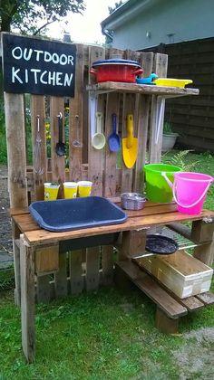 Matsch-Küche Diy Mud Kitchen, Activities For Kids, Backyard, Outdoor Decor, Home Decor, Mud, Plants, Lawn And Garden, Patio