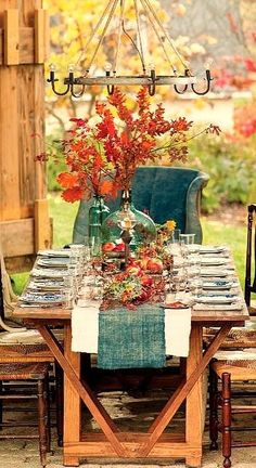 20 Rustic Thanksgiving Table Ideas That Will Make You Swoon Thanksgiving Decor Fall Home Decor, Autumn Home, Holiday Decor, Autumn Tea, Autumn Table, Blue Fall Decor, Vintage Fall Decor, Decoration Inspiration, Autumn Inspiration