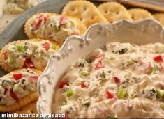 "Blue Cheese Spread By: Town House® ""Here's a quick and tangy appetizer--crumbled blue cheese, green onions, and chopped tomatoes are mixed into a creamy base and served on buttery crackers. Great Appetizers, Appetizer Dips, Appetizer Recipes, Cold Appetizers, Cheese Spread, Blue Cheese, Love Food, Food To Make, Food And Drink"