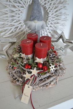 Hello everybody! I am offering you a beautiful 30 cm diameter root wreath in dark gray. A root wreath decorated with 4 rustic candles (candle protecti. Rose Gold Christmas Decorations, Christmas Advent Wreath, Christmas Arrangements, Christmas Candles, Rustic Christmas, Christmas Time, Christmas Crafts, Rustic Candles, Deco Table
