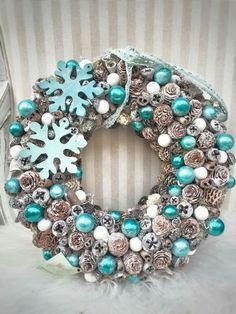 Christmas Advent Wreath, Diy Christmas Decorations For Home, Xmas Wreaths, Christmas Crafts, Turquoise Christmas, Pink Christmas, Winter Christmas, New Year Diy, Estilo Shabby Chic