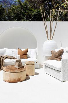 Cheap Home Decor Santorini & Hamptons style Byron Bay House Outdoor Sofa, Outdoor Living, Outdoor Furniture, Outdoor Fabric, Outdoor Rooms, Furniture Ideas, Outdoor Decor, Home Interior, Interior And Exterior