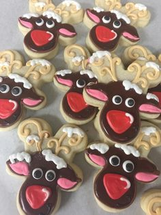 Cocoa shortbread by Christophe Felder - HQ Recipes Reindeer Cookies, Christmas Sugar Cookies, Christmas Desserts, Christmas Baking, Holiday Cookies, Christmas Recipes, Reindeer Head, Christmas Foods, Holiday Baking