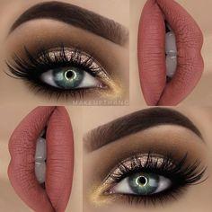 "Glitter   BROWS: @anastasiabeverlyhills Dipbrow ""Chocolate"" ✨  EYES: @toofaced Semi-Sweet palette ✨ @limecrimemakeup Super foils shadow on the lid ✨ @tartecosmetics Tartiest metallic shadow ""Hussy"" ✨ @houseoflashes ""iconic lashes"" ✨ @makeupstore eye pencil ""darkest shadow"" ✨  LIPS: @limecrimemakeup Velvetine liquid lipstick ""Bleached"" ✨"